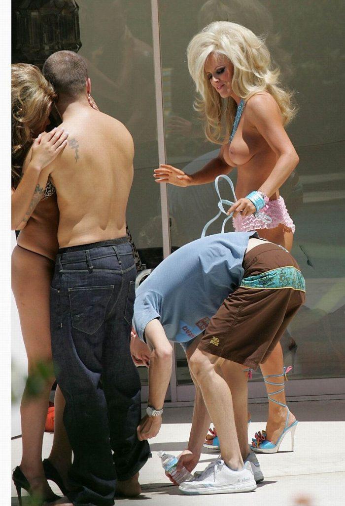 Jenny McCarthy Nude Sexy 1 1024x680060