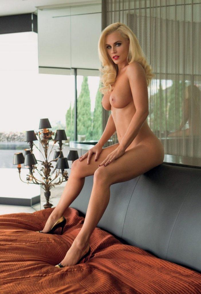 Jenny McCarthy Nude Sexy 1 1024x680069