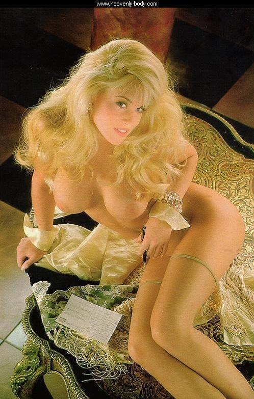 Jenny McCarthy Nude Sexy 1 1024x680103
