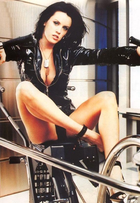 Jenny McCarthy Nude Sexy 1 1024x680104