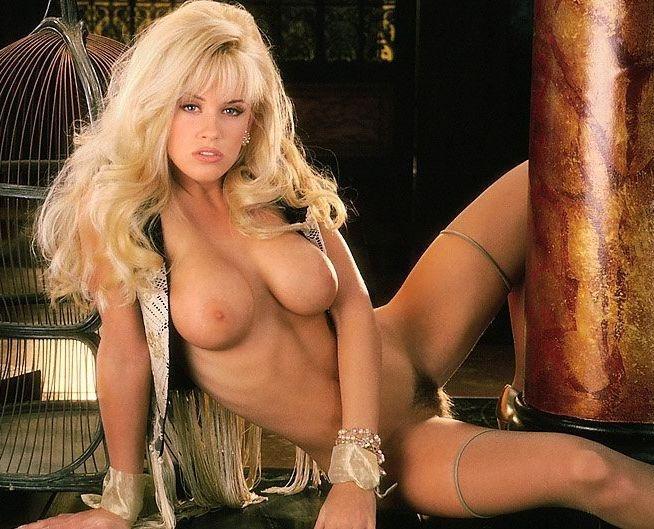 Jenny McCarthy Nude Sexy 1 1024x680111