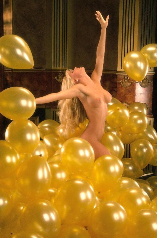 Jenny McCarthy Nude Sexy 1 1024x680120