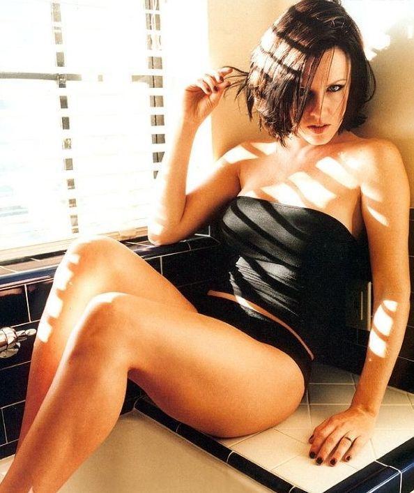Jenny McCarthy Nude Sexy 1 1024x680122
