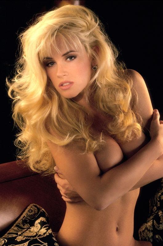 Jenny McCarthy Nude Sexy 1 1024x680123