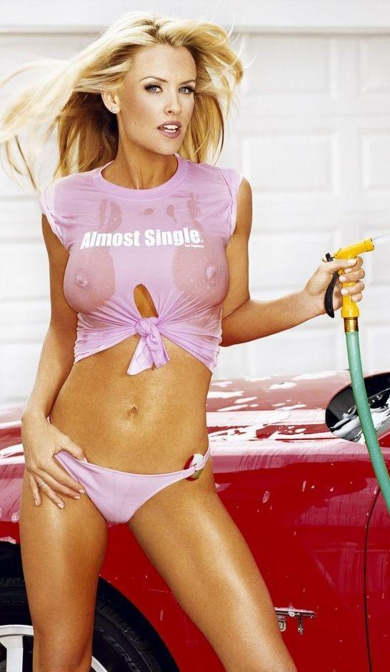 Jenny McCarthy Nude Sexy 1 1024x680124