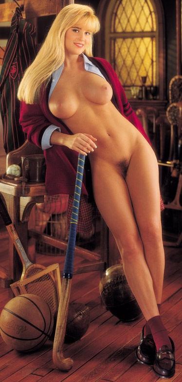 Jenny McCarthy Nude Sexy 1 1024x680132