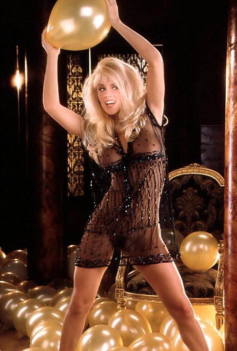 Jenny McCarthy Nude Sexy 1 1024x680137