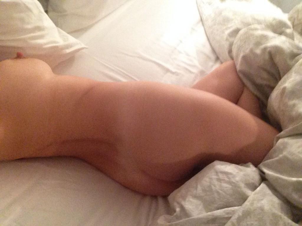 Kelly Brook Naked 19 1024x768