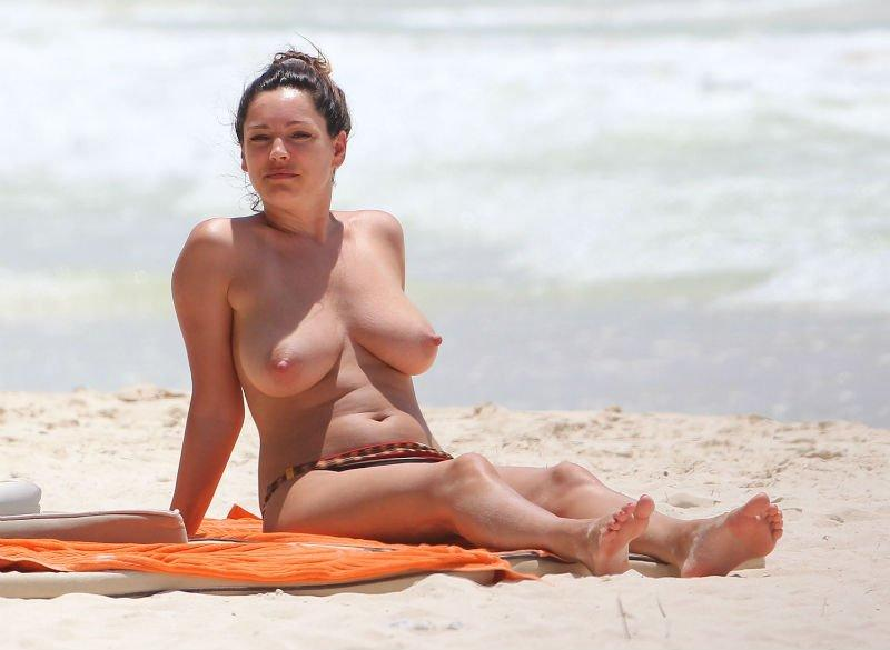 Kelly Brook Topless 12