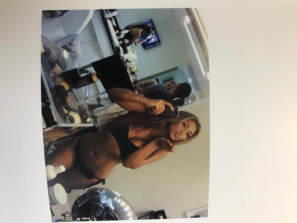 Kim Kardashian Selfies 1 768x1024006