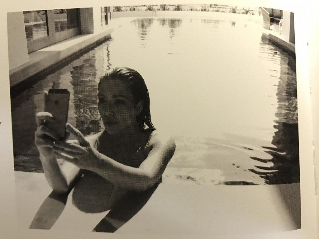 Kim Kardashian Selfies 1 768x1024031