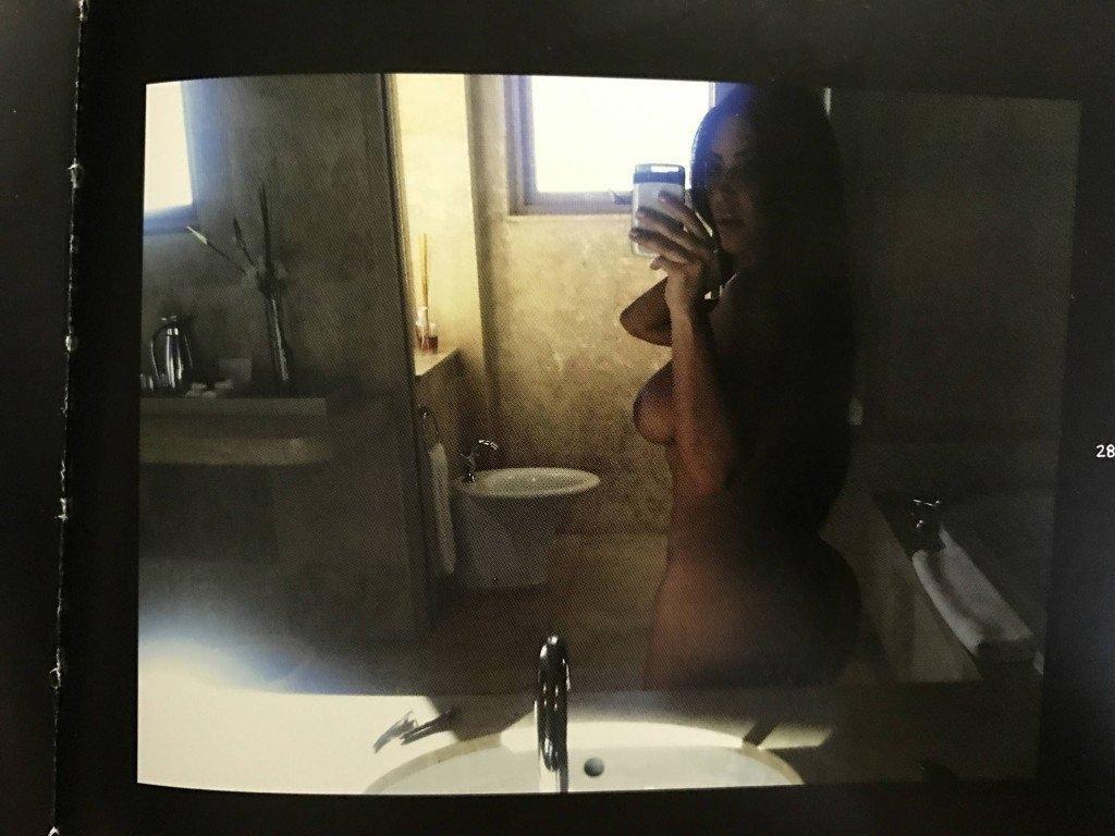 Kim Kardashian Selfies 1 768x1024068