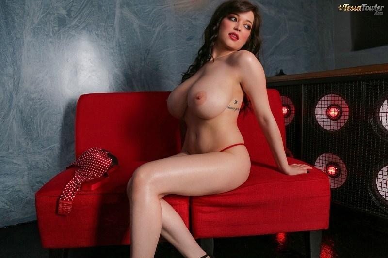 TESSA FOWLER RED HOT VALENTINES SET 2.03