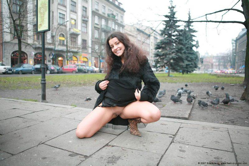 angela s cracow nude in public 13 800x533