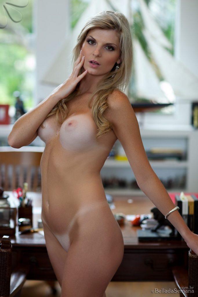 angelica woicichoski tan lines blonde brazilian bella da semana 17 800x1200