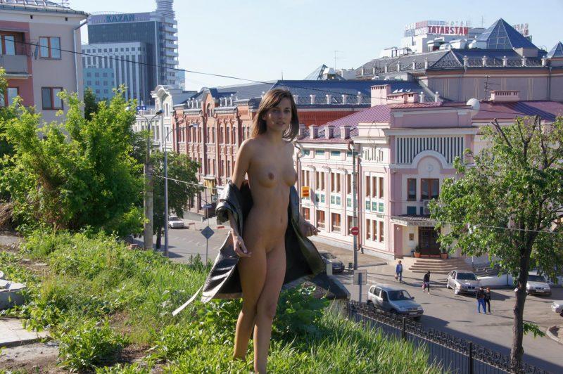 irina k naked in russia kazan nude public 01 800x532