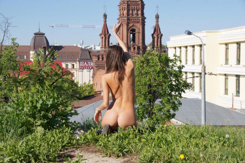 irina k naked in russia kazan nude public 03 800x532