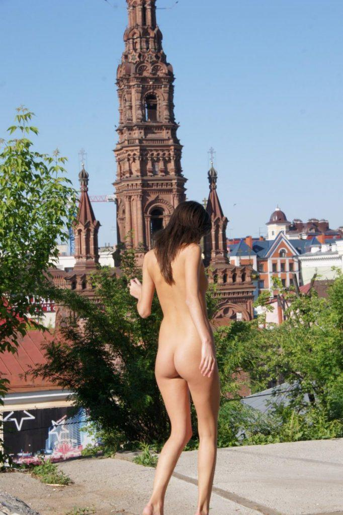 irina k naked in russia kazan nude public 34 800x1202