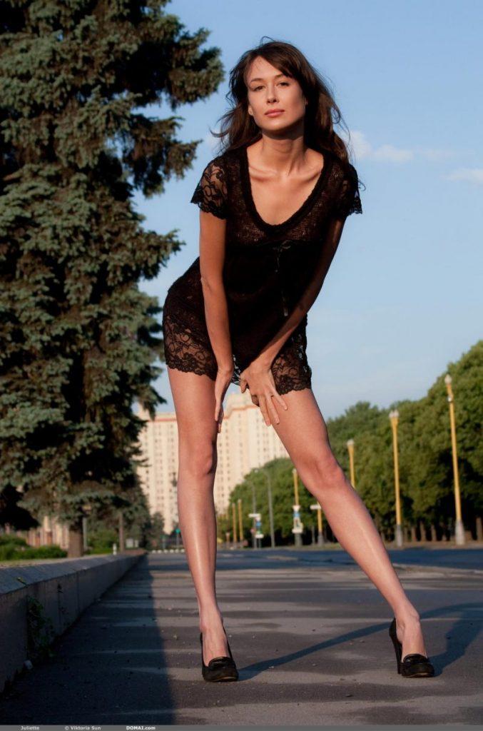 juliette nude public domai 05 800x1210