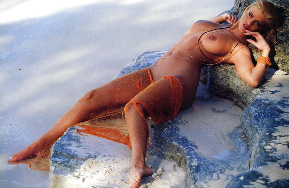 Anna nicole nude smith video