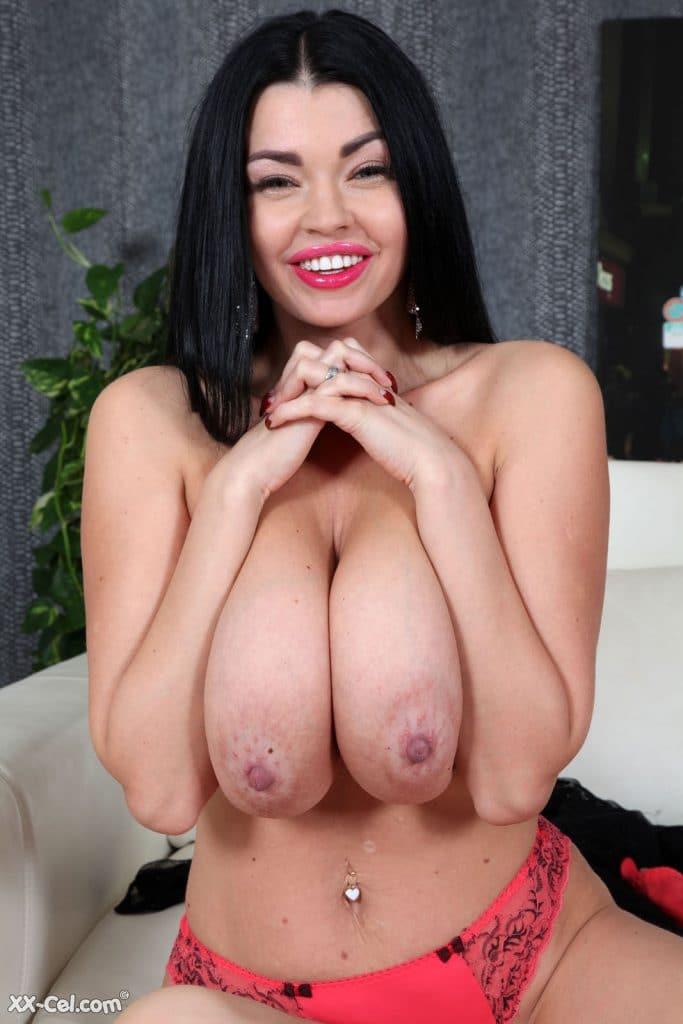sha rizel gets naked on xx cel 3 683x1024