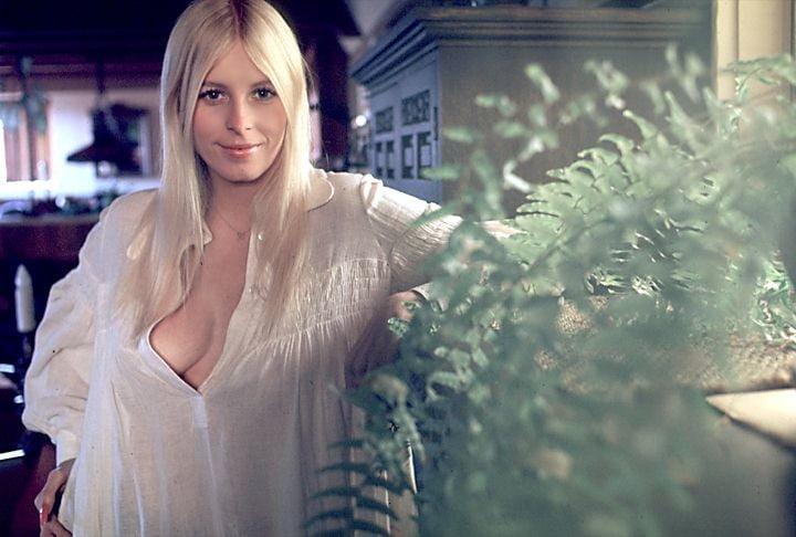 1971 - 01-Liv Lindeland - MKX