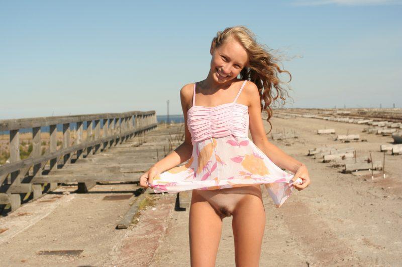 bottomless girls nude mix vol2 90 800x533