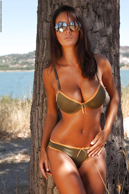 Ela Savanas - Sunset Strip - Bod Girls