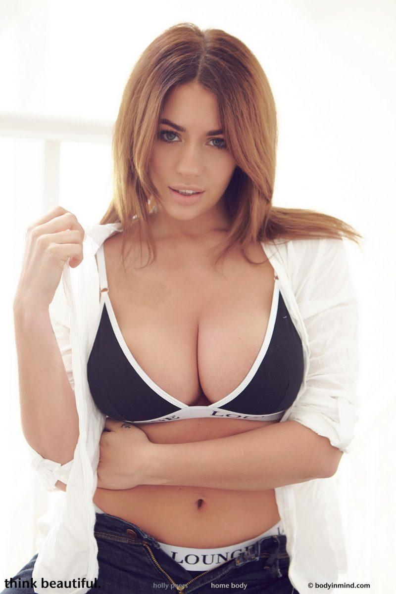 holly peers tits jeans busty girl bodyinmind 06 800x1201