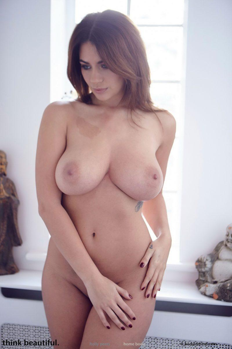 holly peers tits jeans busty girl bodyinmind 28 800x1201