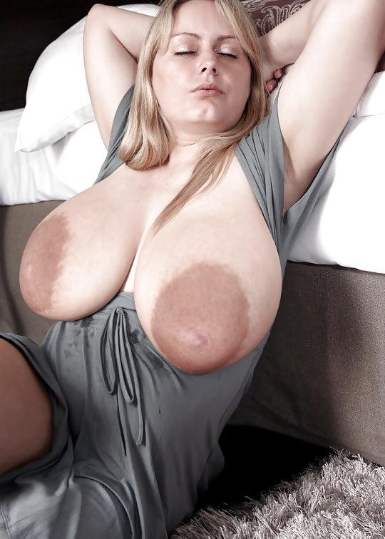 seks-ogromnie-visyachie-siski-foto-sperma-letsya-struey-porno