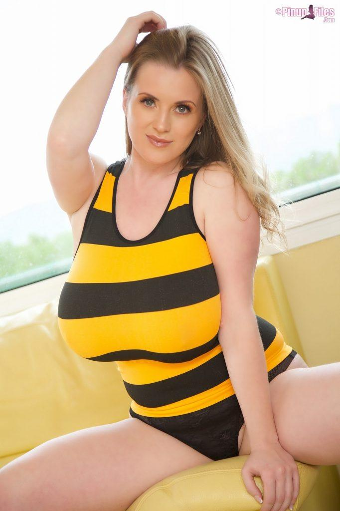 maria body sexy stripes pinupfiles 4 682x1024