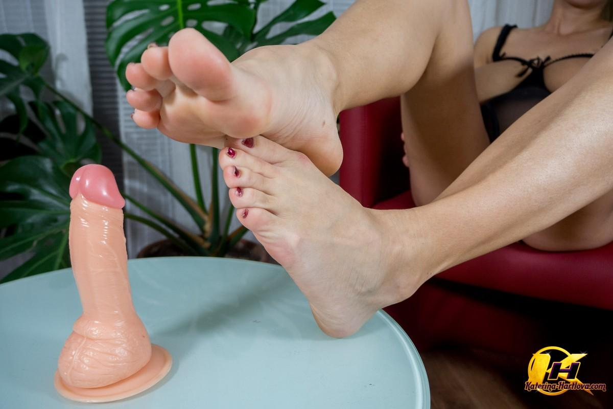 feet job with my first gift from my fan thompson 7
