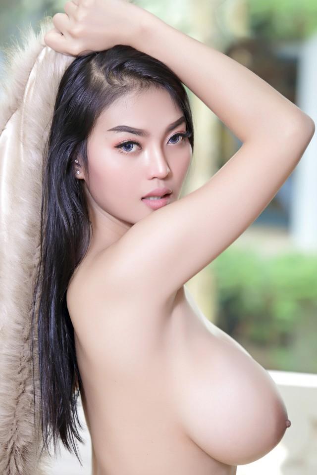 Faii-Orapun-Nude-Instagram-Model-Big-Tits-15