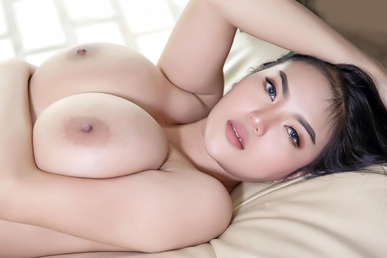 Faii-Orapun-Nude-Instagram-Model-Big-Tits-2