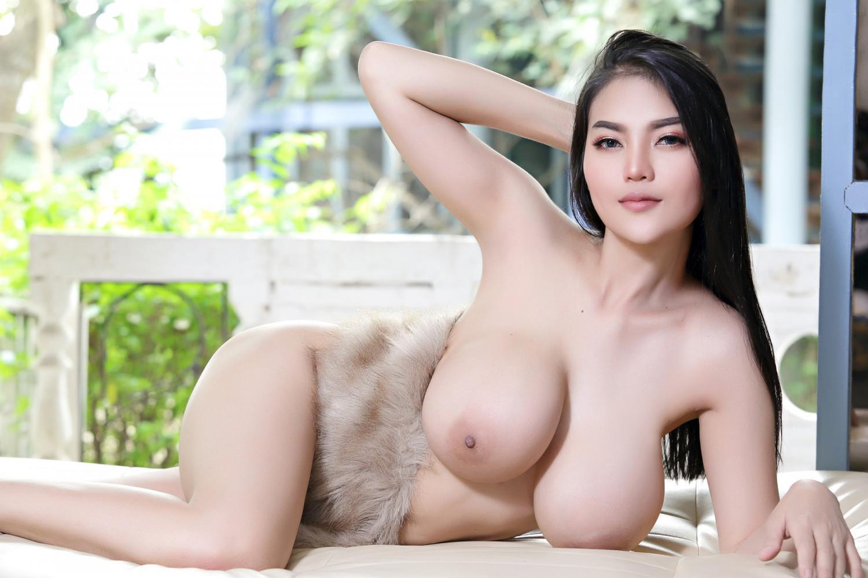 Faii-Orapun-Nude-Instagram-Model-Big-Tits-20