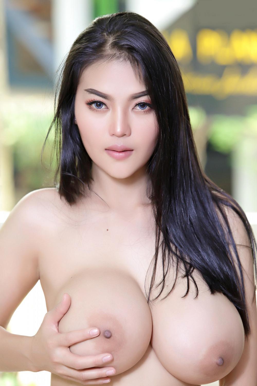 Hot Girls Big Tits Stripping