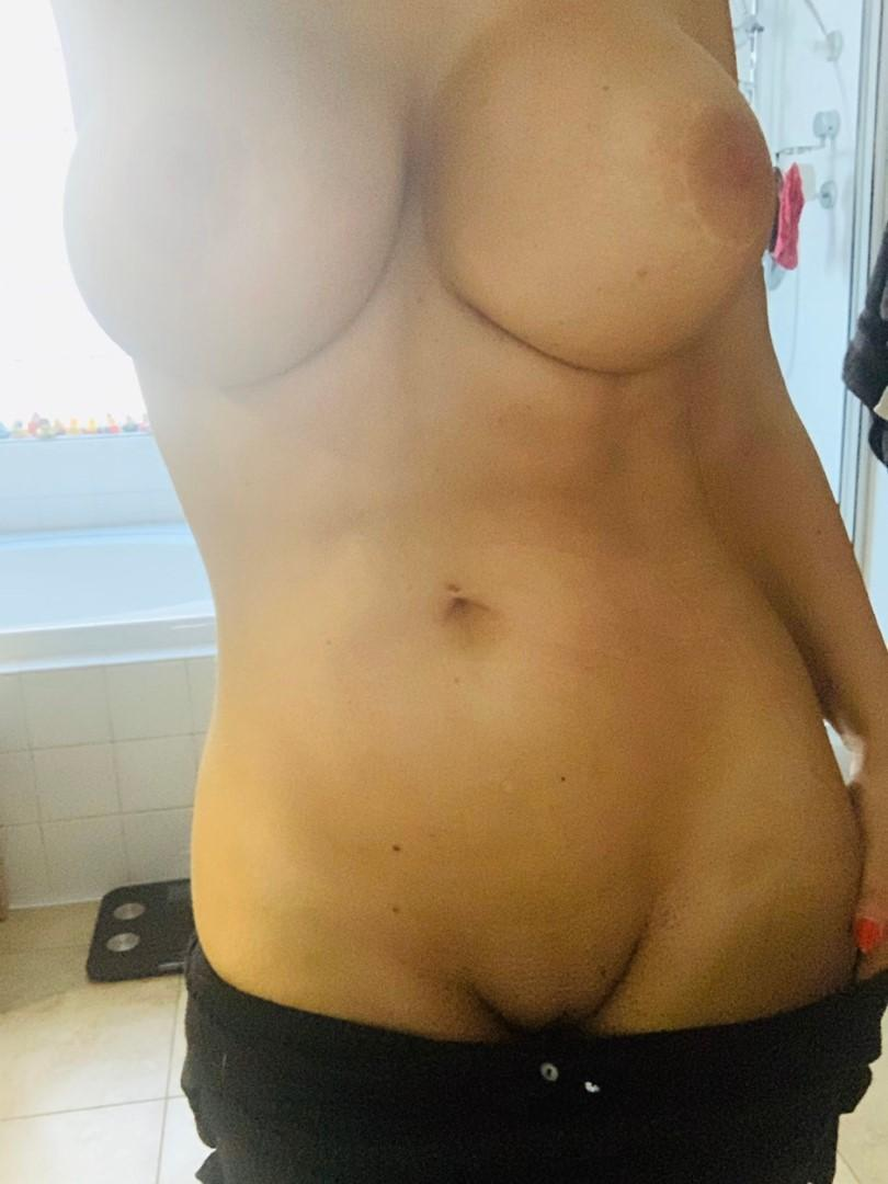 Tara-Babcock-Nude-Shaved-Pussy-Patreon-Leaked-6