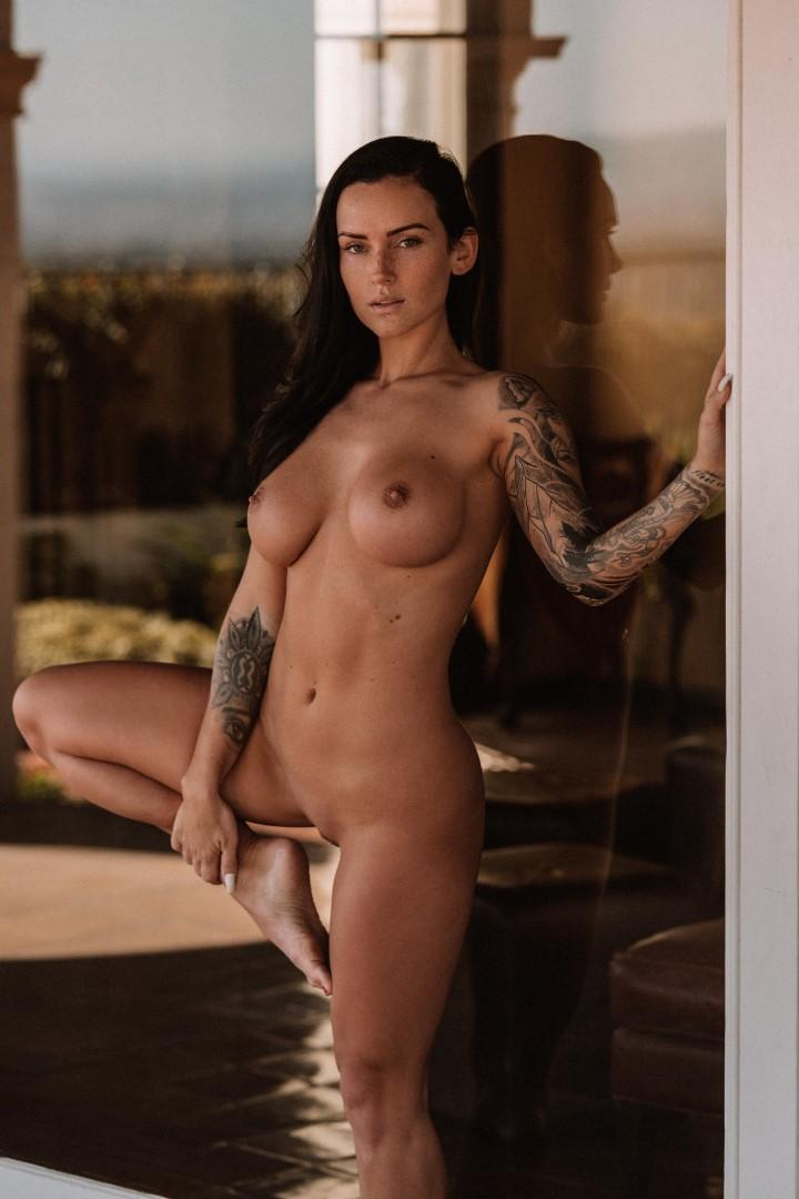 Kayla Nude Pics
